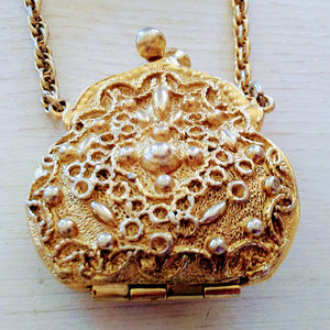 Jewelry - Vintage Purse Design Brooch in Ornate Gold Tone
